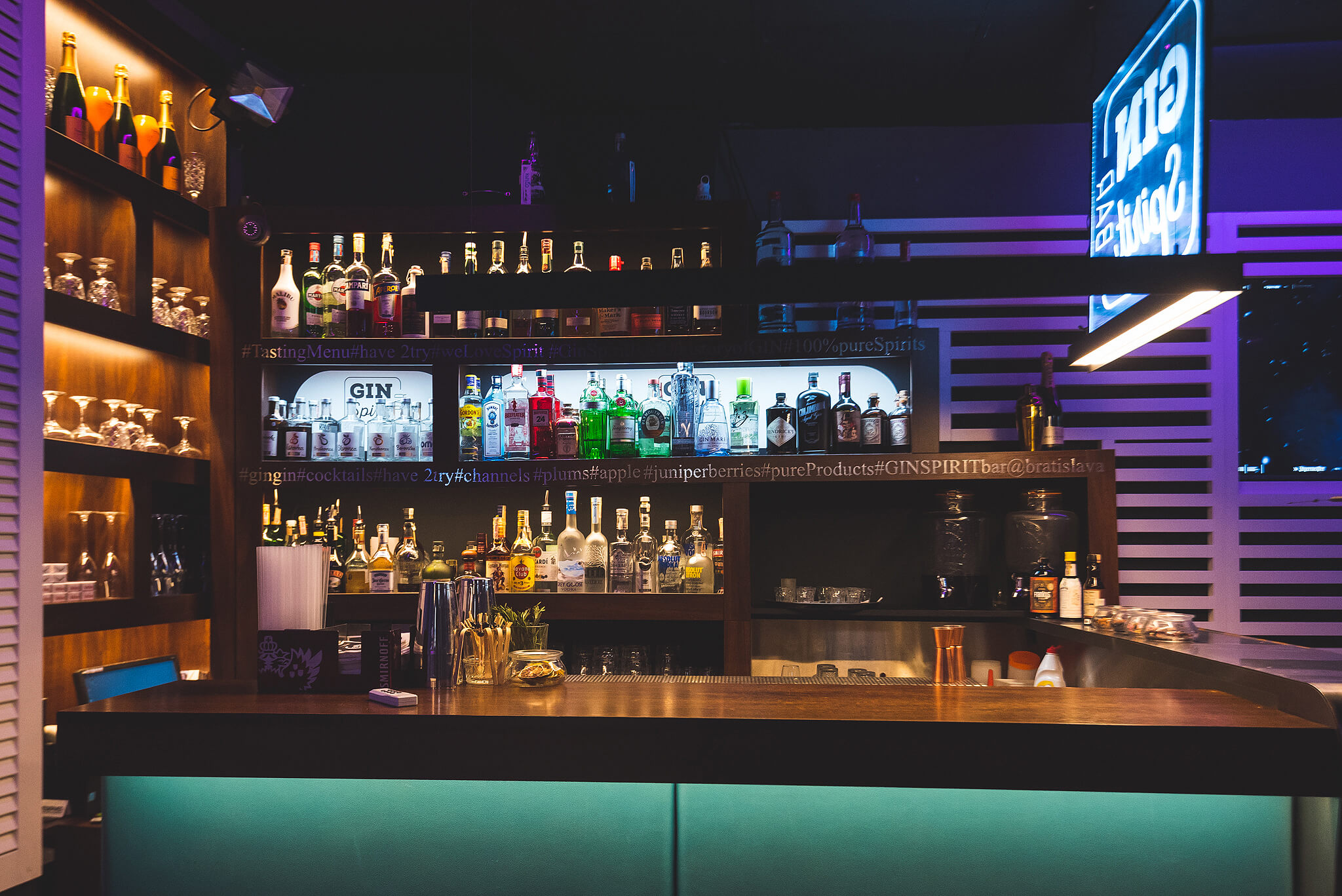 channels_club_interior12