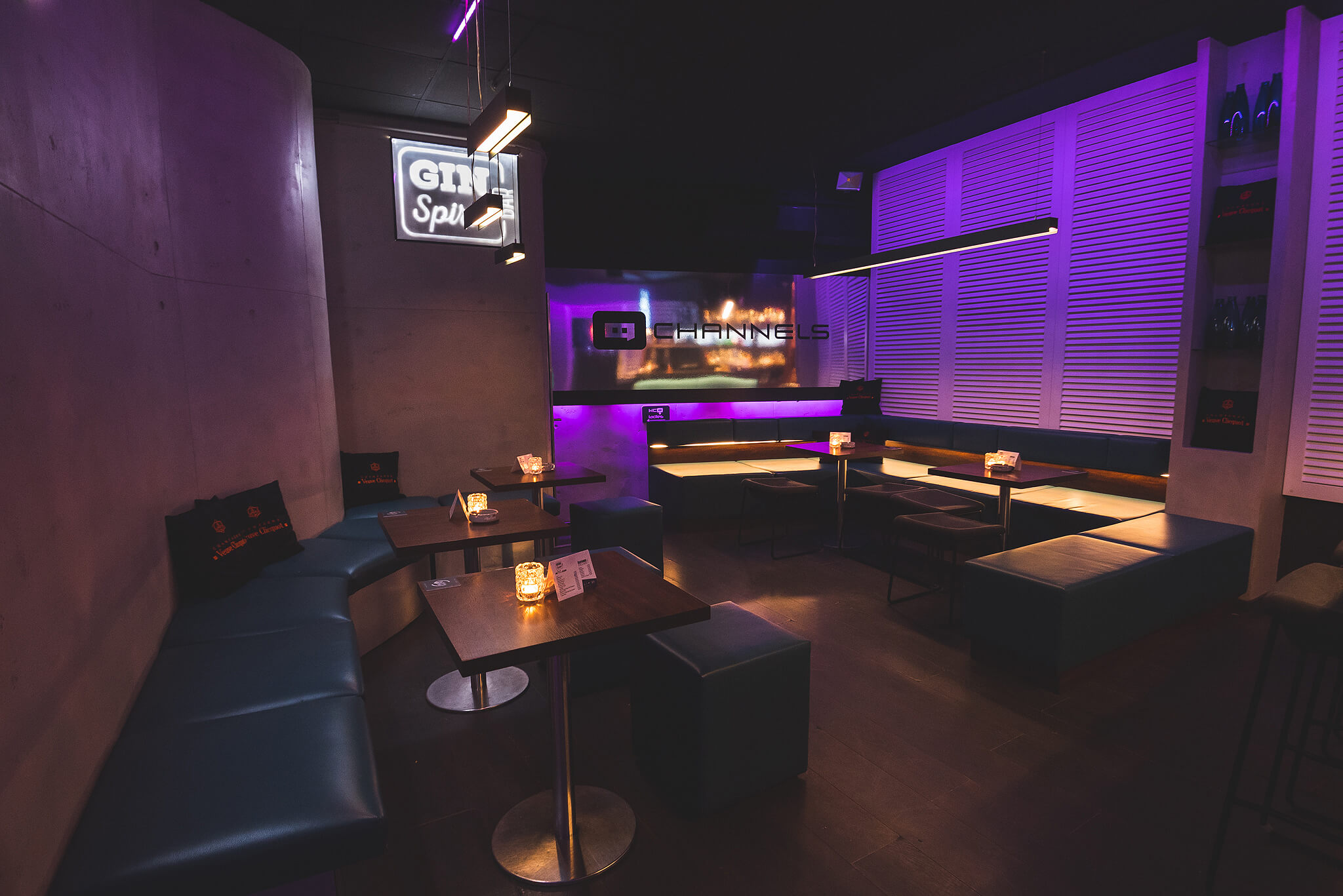 Channels club interior2